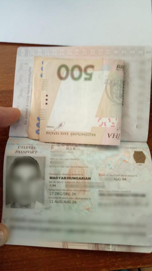 З грудня 2020 року в пунктах пропуску до перевірки документів у громадян, які перетинають кордон, залучаються прикордонники-строковики.