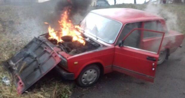 На Закарпатті за добу згоріли два автомобілі ВАЗ – причини встановлює поліція.
