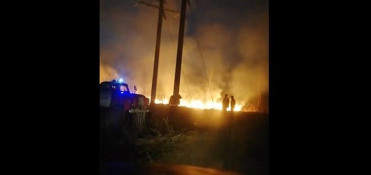 Он горит в селе Драгово возле нового кладбища.