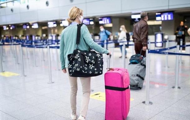 Після інциденту із затриманням в Греції українцям дали рекомендації, як безпечно їздити в інші країни.
