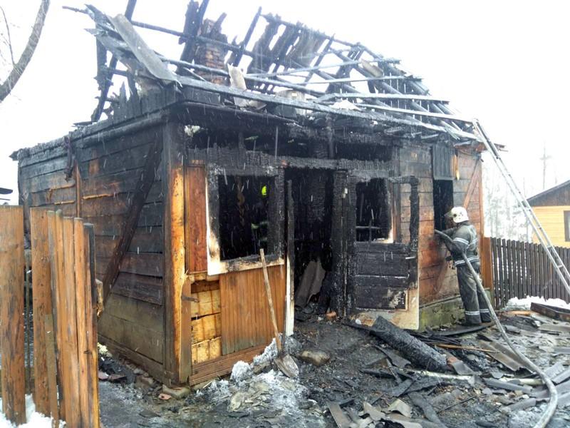 82-річний мешканець села Чорна Тиса самотньо жив в одноповерховій дерев'яній оселі.