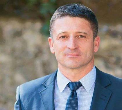 Депутат Ужгородської міськради від політичної партії «Єдиний Центр» Володимир Смоланка склав мандат.
