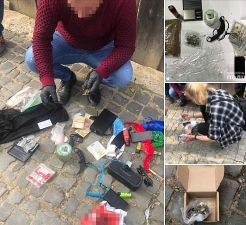Вчора, 19 травня, працівники сектору кримінальної поліції Тячівщини помітили на вулиці Листопада в Тячеві підозрілого хлопця, який поводився неадекватно.