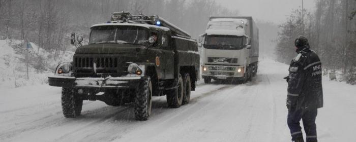На ділянці 702 – 744 км траси М-06 Київ – Чоп відновили рух транспорту біля 16-ї години.