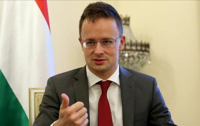 Угорщина зніме вето на переговори України з НАТО після повернення закарпатським угорцям права на навчання рідною мовою та надасть €50 мілн на розвиток прикордонної інфраструктури.