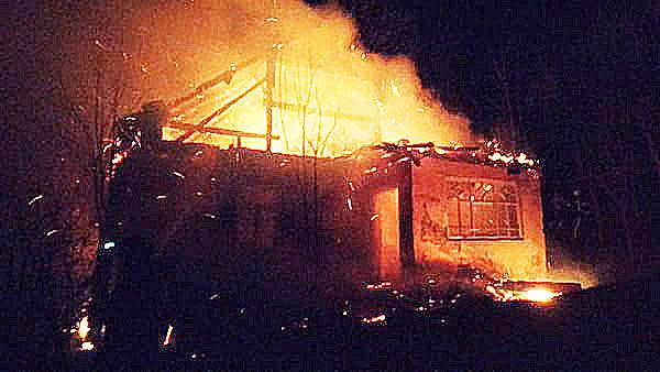 26 березня о 21:18 до Служби порятунку Закарпаття повідомили про пожежу в житловому будинку, що на вул. Центральній в с. Березово Хустського району.