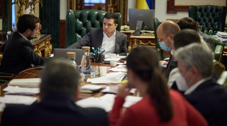 Президент Володимир Зеленський впевнений в правильності санкцій проти телеканалів.