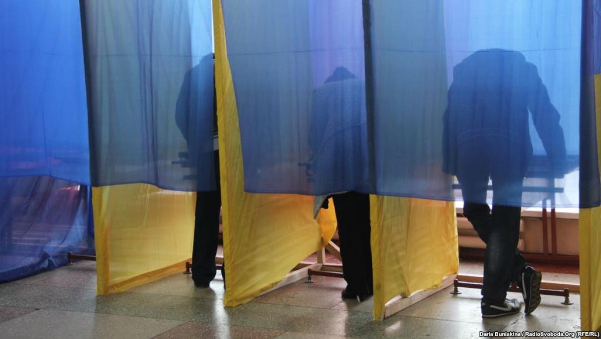 В Ужгороді за мера міста проголосувало 27% виборців.