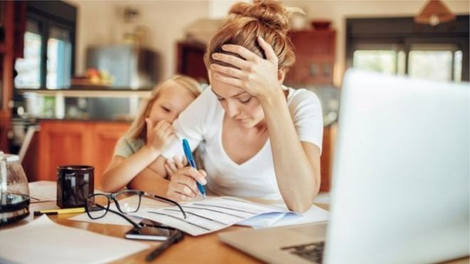 Законодавство забороняє звільняти працівниць у зв'язку з вагітністю чи декретною відпусткою.