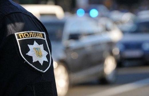 Транспортний засіб виявили працівники сектору превенції Мукачівського відділу поліції. За вказаним фактом розпочато слідство. Автомобіль поміщено на арештмайданчик відділення поліції.