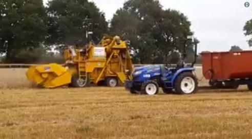 У Британії роботи вперше самі засіяли і зібрали урожай