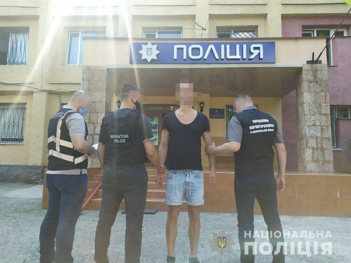 В Ужгороді затримали громадянина Люксембурга, якого розшукували правоохоронні органами Австрії.