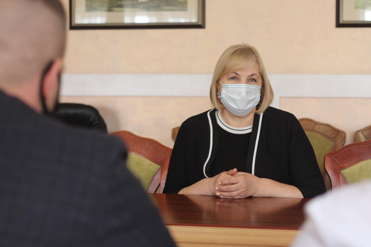З робочим візитом на Закарпатті перебуває заступниця Міністра освіти і науки України Віра Рогова.