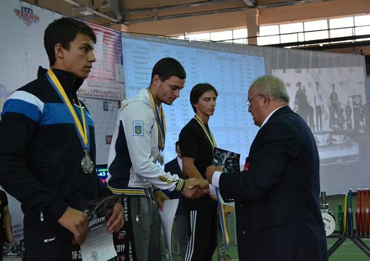 У Харкові упродовж десяти днів на базі спортивного комплексу ХТЗ проходив чемпіонат України з класичного пауерліфтингу серед спортсменів усіх вікових груп.