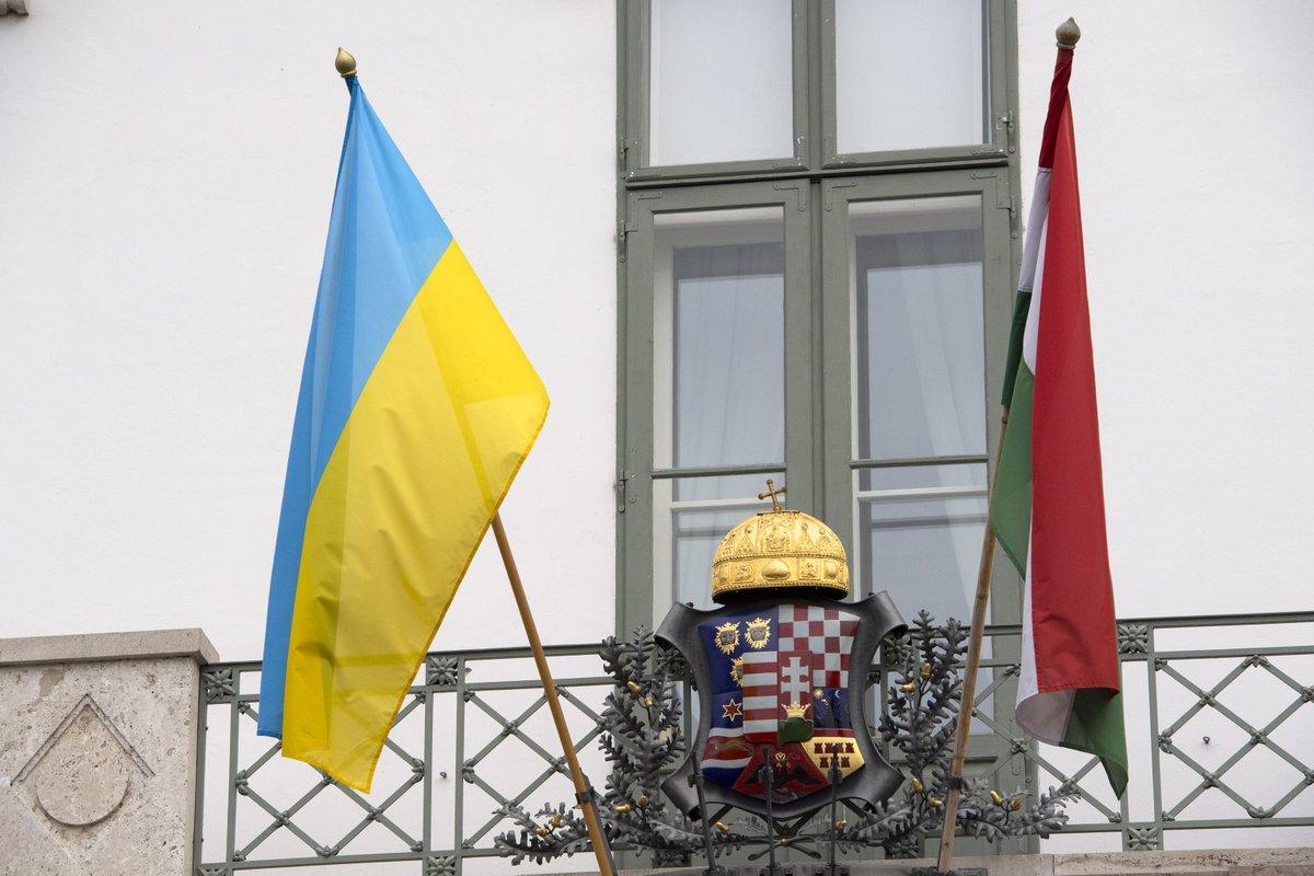 А є лише підігрівання сепаратистських настроїв серед представників угорської нацменшини і використання цього фактору для впливу на Україну, переконаний заступник директора Українського ІДЕ.