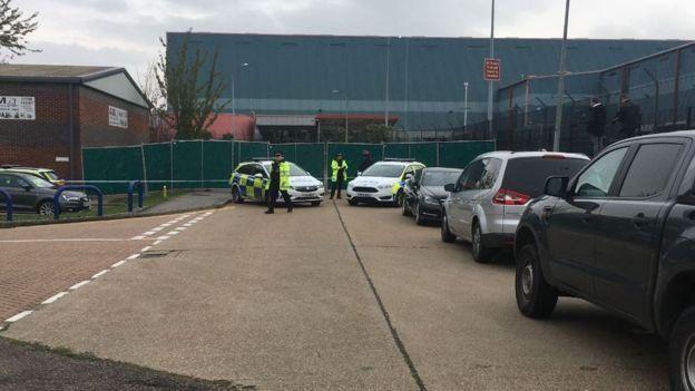 Тіла 39 людей знайшли у вантажівці в індустріальному парку Вотеглейд графства Ессекс у Великій Британії.