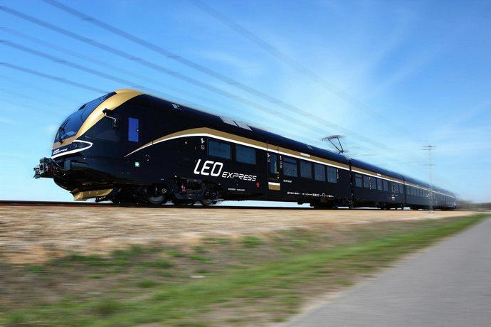 Польща дозволила приватному чеському залізничному оператору Leo Express із 11 грудня 2019 року запустити регулярні рейси з Праги через Катовіце, Краків, Перемишль до польсько-українського кордону.