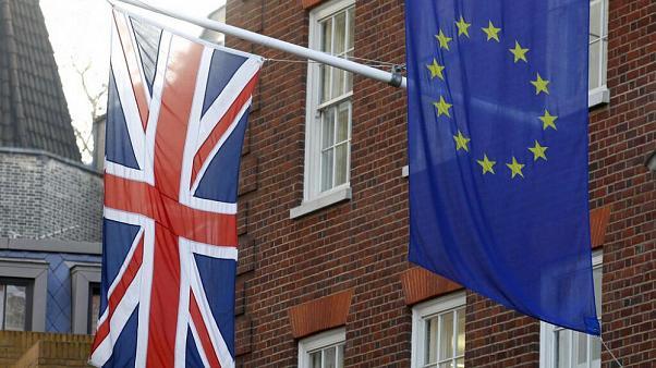 Великобританія після виходу з ЄС вимагатиме від трудових мігрантів наявність трудової угоди та знання англійської.