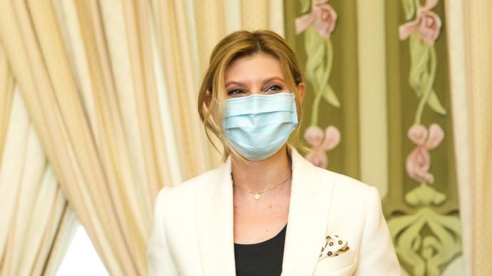 Перша леді Олена Зеленська одужала від коронавірусної інфекції COVID-19 і 3 липня виписалася з лікарні.