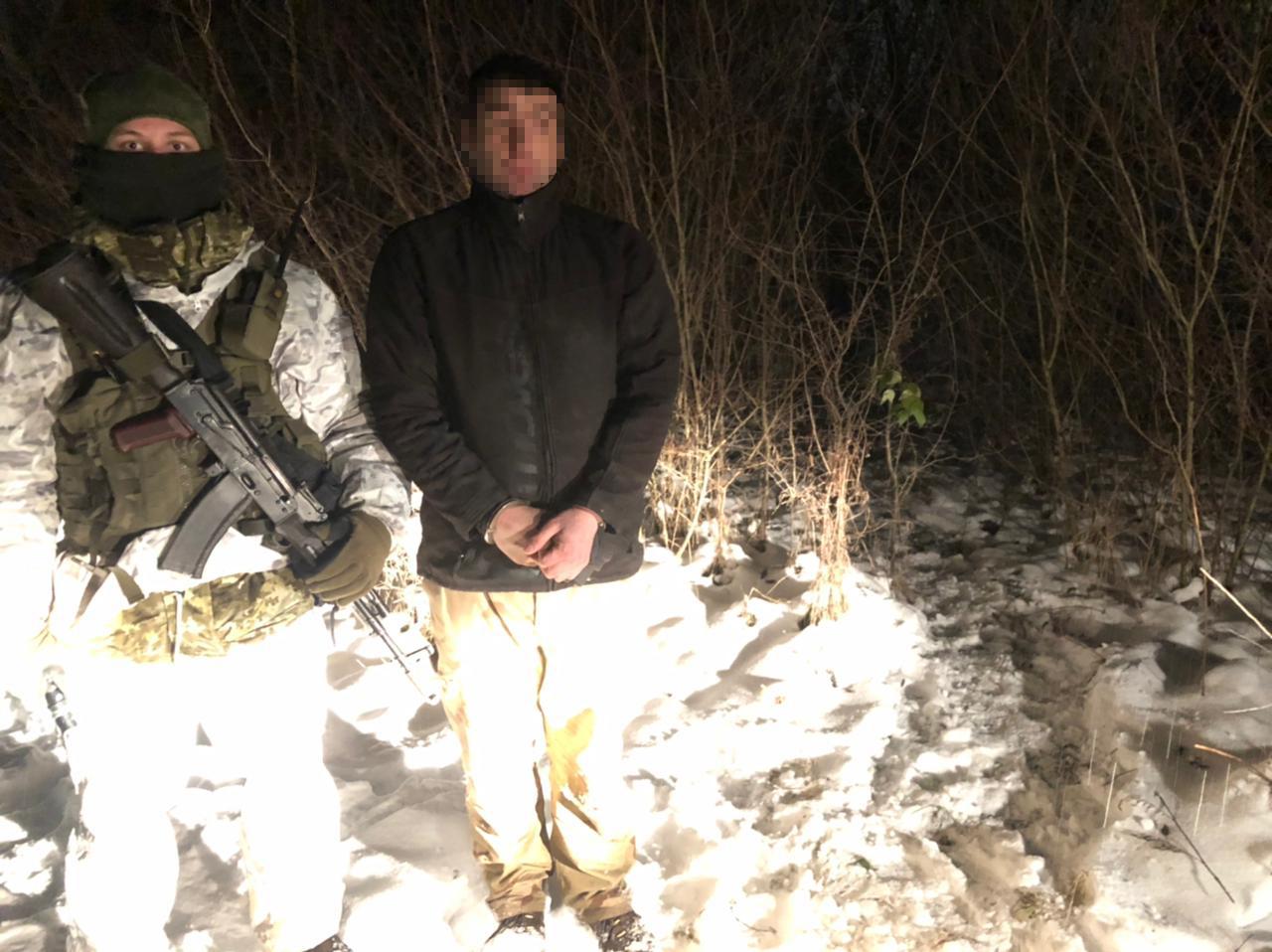 Трое правонарушителей пьяно «штурмовали» границы с Румынией, Венгрией и Словакией.