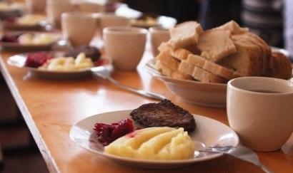 Харчування школярів у Виноградові: чому не так, як на Хустщині і чи далеко до стандартів Франції?