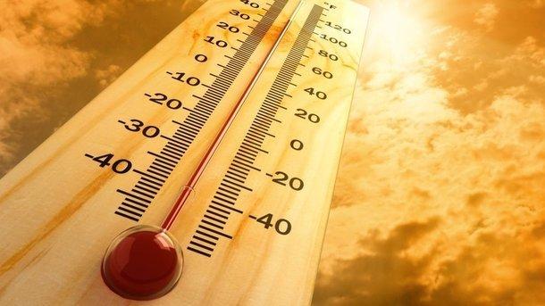 Наслідки посухи і зниклі туристи: п'ять наслідків аномальної погоди в Європі