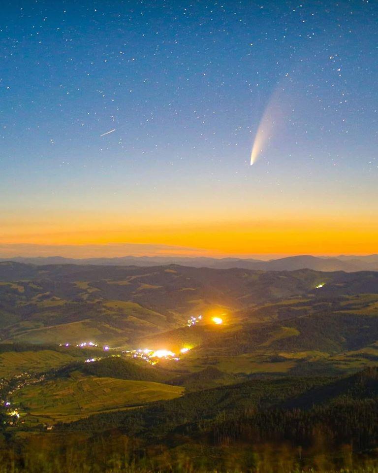 Комету сфотографували з однієї з вершин Боржави.