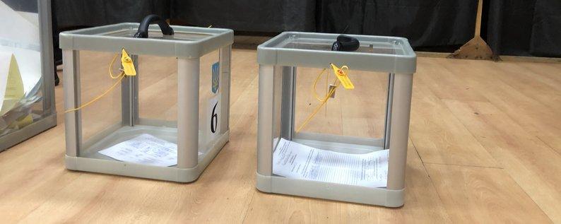 За словами юристів, є всі підстави скасувати вибори міського голови Чопа.