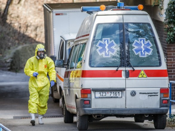 У Чехії протягом останньої доби різко зросло число заражень коронавірусу – це вже четвертий антирекорд на тиждень.