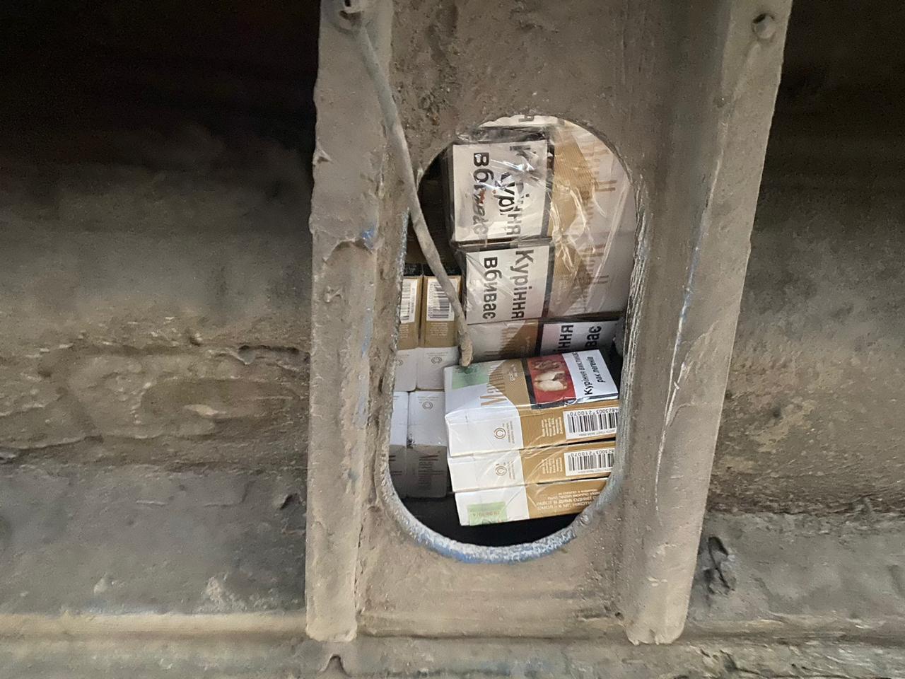 Чергову спробу тютюнової контрабанди попередили вчора прикордонники відділу «Дякове» спільно з військовослужбовцями спецпідрозділу «Дозор», які прибули нещодавно для посилення ділянки кордону.