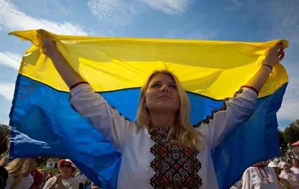 При цьому майже три чверті українців вважають себе оптимістами. У більшості випадків люди називають головним джерелом оптимізму своє особисте життя і сім'ю.