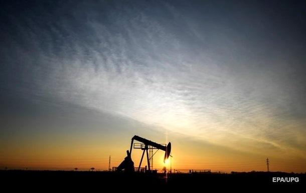 Різке зростання котирувань нафтових ф'ючерсів почалося після рішення ОПЕК+ не підвищувати видобуток у квітні.