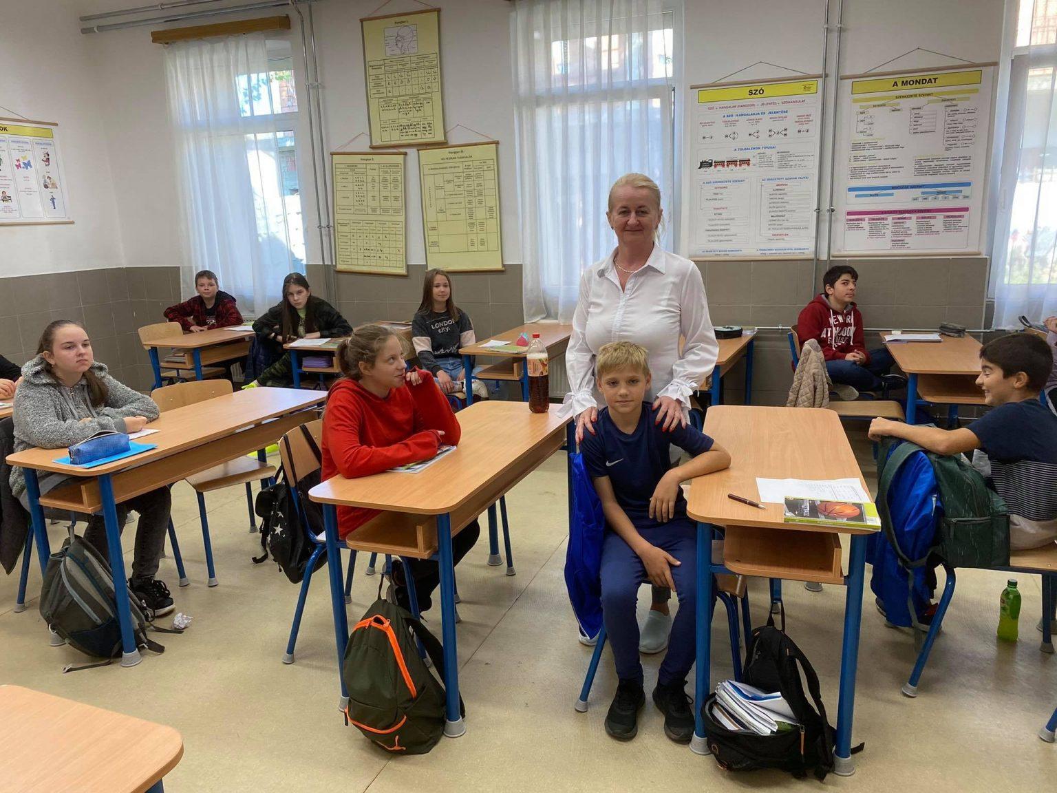 В одной из школ венгерского Кишварда ввела уроки украинского языка.