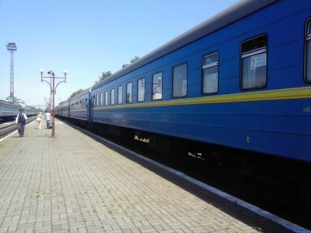 Укрзалізниця наНоворічні свята призначила щеодин додатковий поїзд наЗакарпаття