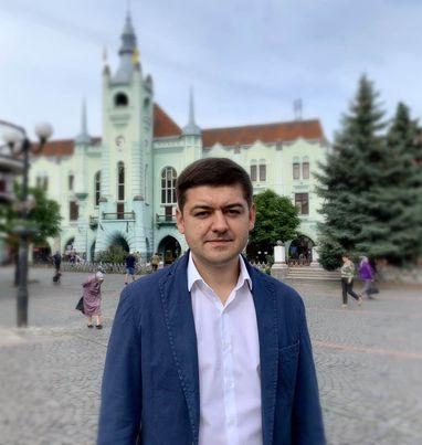 Президент призначив на посаду глави Мукачівської райдержадміністрації Едгара Токаря.