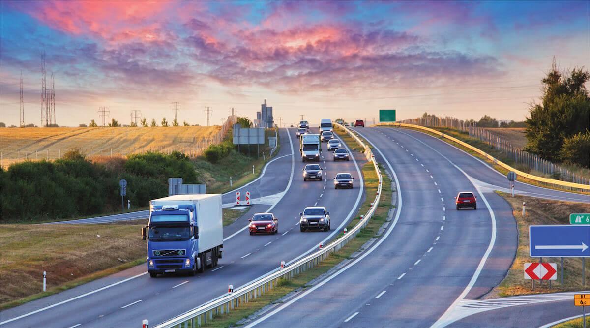 Міністерство інфраструктури України має намір встановити плату за користування автомобільними дорогами для вантажівок.