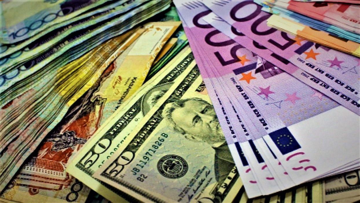 Національний банк України продовжує здійснювати кроки з валютної лібералізації. Що змінилося у площині продажу валюти громадянам – читайте далі.