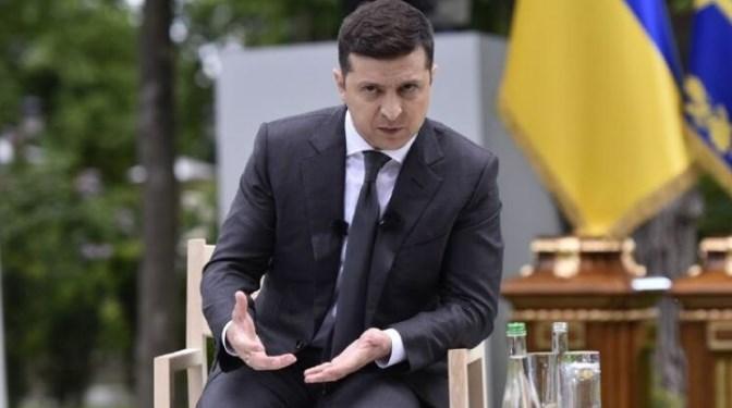 Володимир Зеленський хоче задати українцям 5 питань. Але яка мета цього опитування?