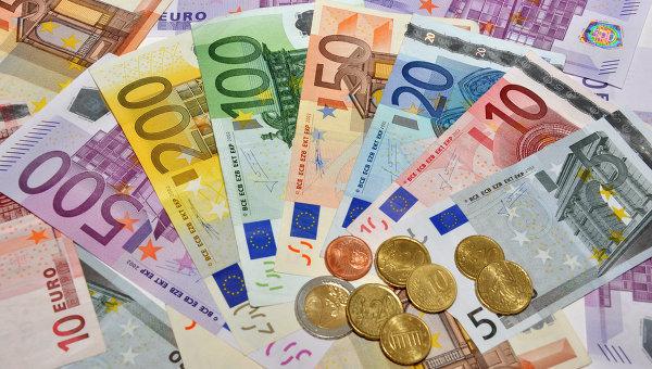 Національний банк знизив офіційний курс гривні до євро на 14 серпня на 9 копійок та встановив його на рівні 30,23 за євро.