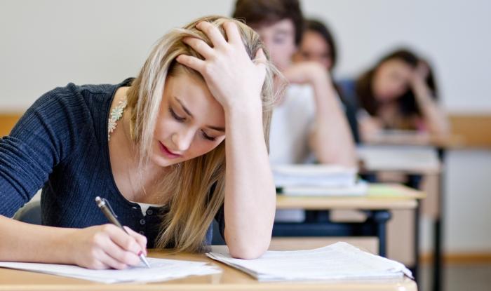 До уваги закарпатських випускників: літо розпочнеться зі ЗНО з англійської мови
