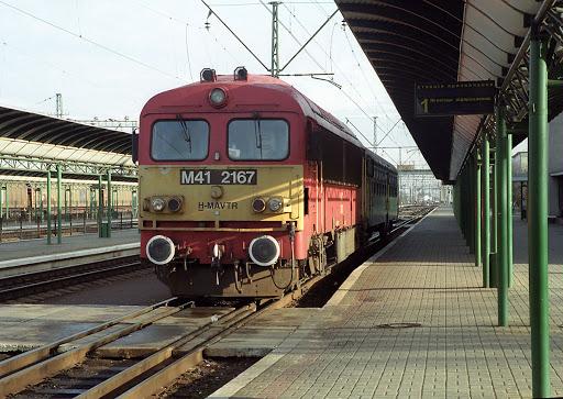 Від червня Укрзалізниця планує відновити залізничне пасажирське сполучення до Австрії та Угорщини за напрямками «Київ-Відень» та «Чоп-Захонь».
