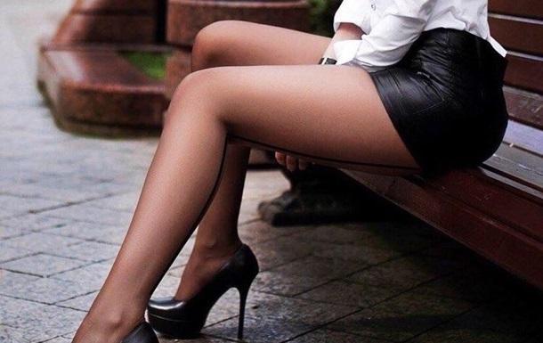 Вчені провели експеримент, у ході якого стало зрозуміло, що штовхає жінок до сексуалізації свого зовнішнього вигляду.