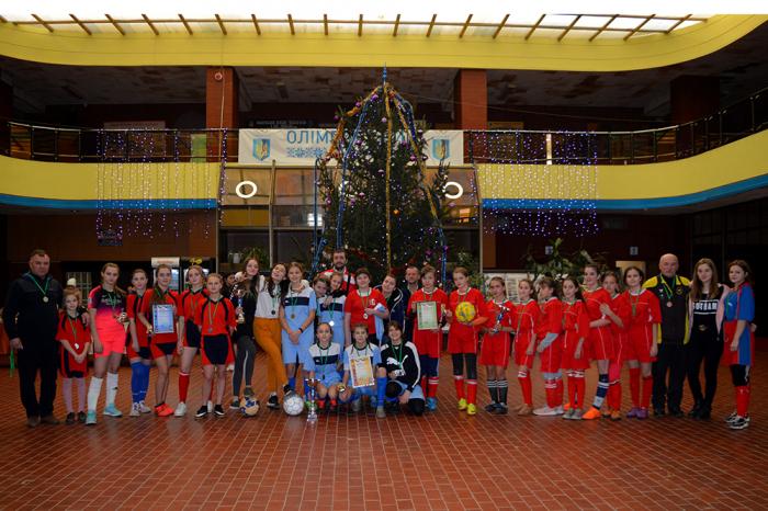 В ужгородському спорткомплексі «Юність» завершили баталії першого в новому році традиційного новорічно-різдвяного турніру дівчата 2005 років народження і молодші.