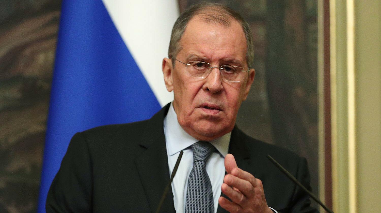 Міністр закордонних справ Росії Сергєй Лавров назвав крадіями членів делегації угорського міністра Петера Сійярто після того, як його перекладачка взяла ручку для нотування заяв міністрів.