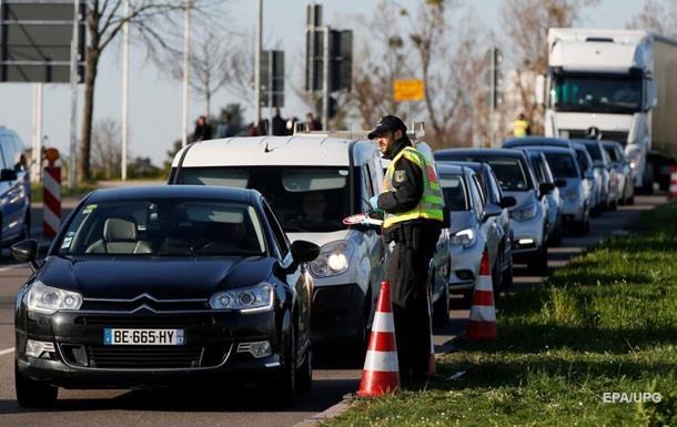 Заборона на всі поїздки на територію Євросоюзу, окрім невідкладних, вводиться на найближчі 30 днів.