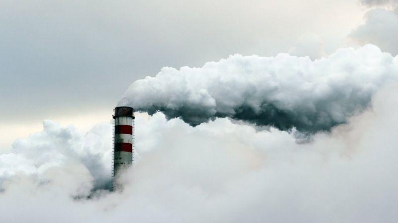 Більшу частину енергії для отримання біткоїнів видобувають з викопного палива