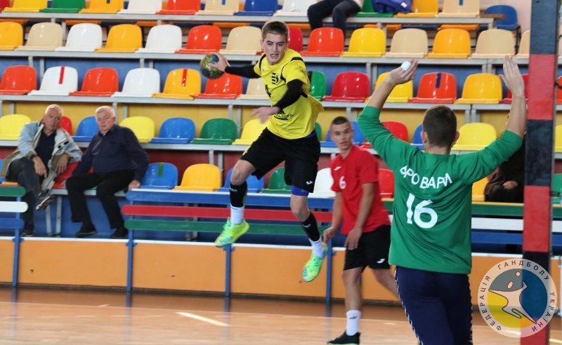Чоловічий ГК «Карпати» (Ужгород), який виступає у Вищій лізі України з гандболу, провів перші поєдинки у сезоні 2020/21.