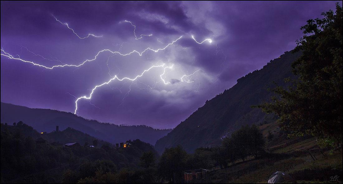 Ввечері половину Закарпаття накриє зливою з градом та шквальним вітром