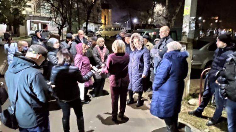 В Україні вже починається коронавірусна паніка.