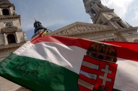 Угорський прем'єр-міністр Віктор Орбан зазнав найбільшої політичної невдачі за десятиліття в неділю, коли кандидат від опозиції переміг чинного мера, свого опонента від партії влади.